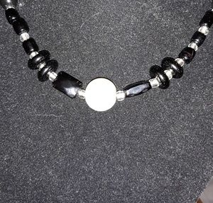 Necklace W/black beads & large pearl